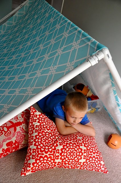 cubby pipe tent